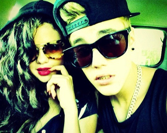 Justin Bieber & Selena Gomez Close and Into Each Other, Texas Witness Confirms Witness Texas selena Justin Into Gomez Each confirms Close Bieber