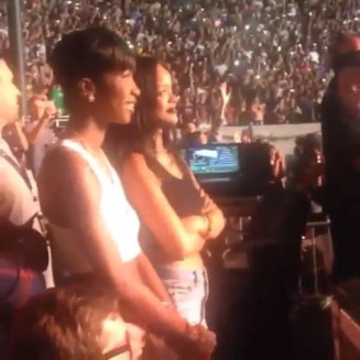 Rihanna attends Drake vs. Lil Wayne show Wayne Show Rihanna Drake Attends