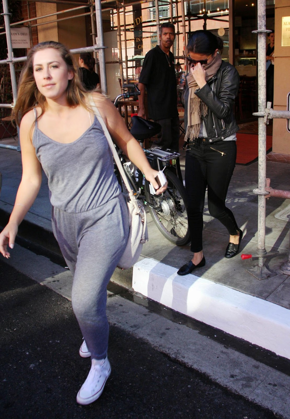 Selena leaving a medical building in Beverly Hills. (October 29) selena October MEDICAL Leaving Hills building Beverly