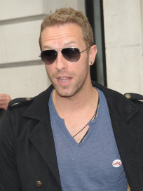 Chris Martin Throws Party For Gwyneth Paltrow; Gets Seal of Approval For Jennifer Lawrence throws Seal Party Paltrow Martin Lawrence Jennifer Gwyneth gets Chris Approval