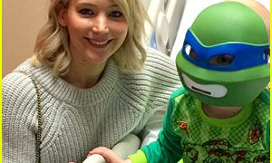 Jennifer Lawrence Makes Her Annual Christmas Visit to Children's Hospital in Kentucky!